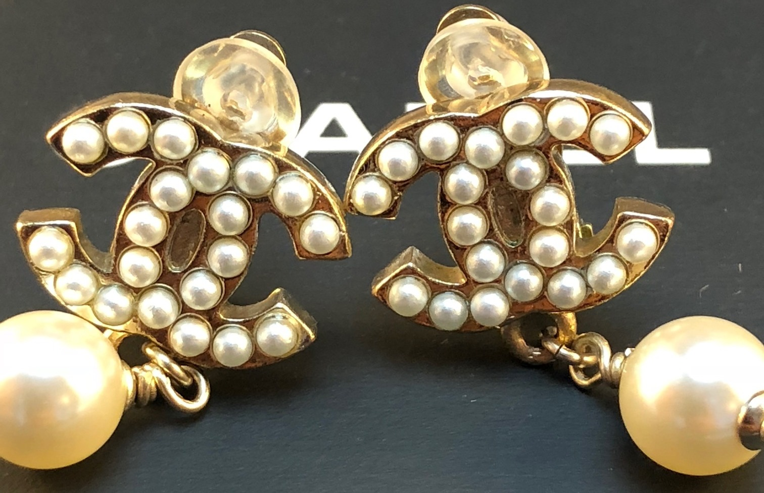 5b128bdc0521 Chanel Vintage CC pearl drop clip on earrings, very classic and timeless