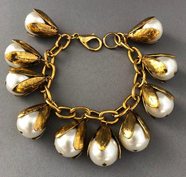 Tulip Drops Pearls Bracelet