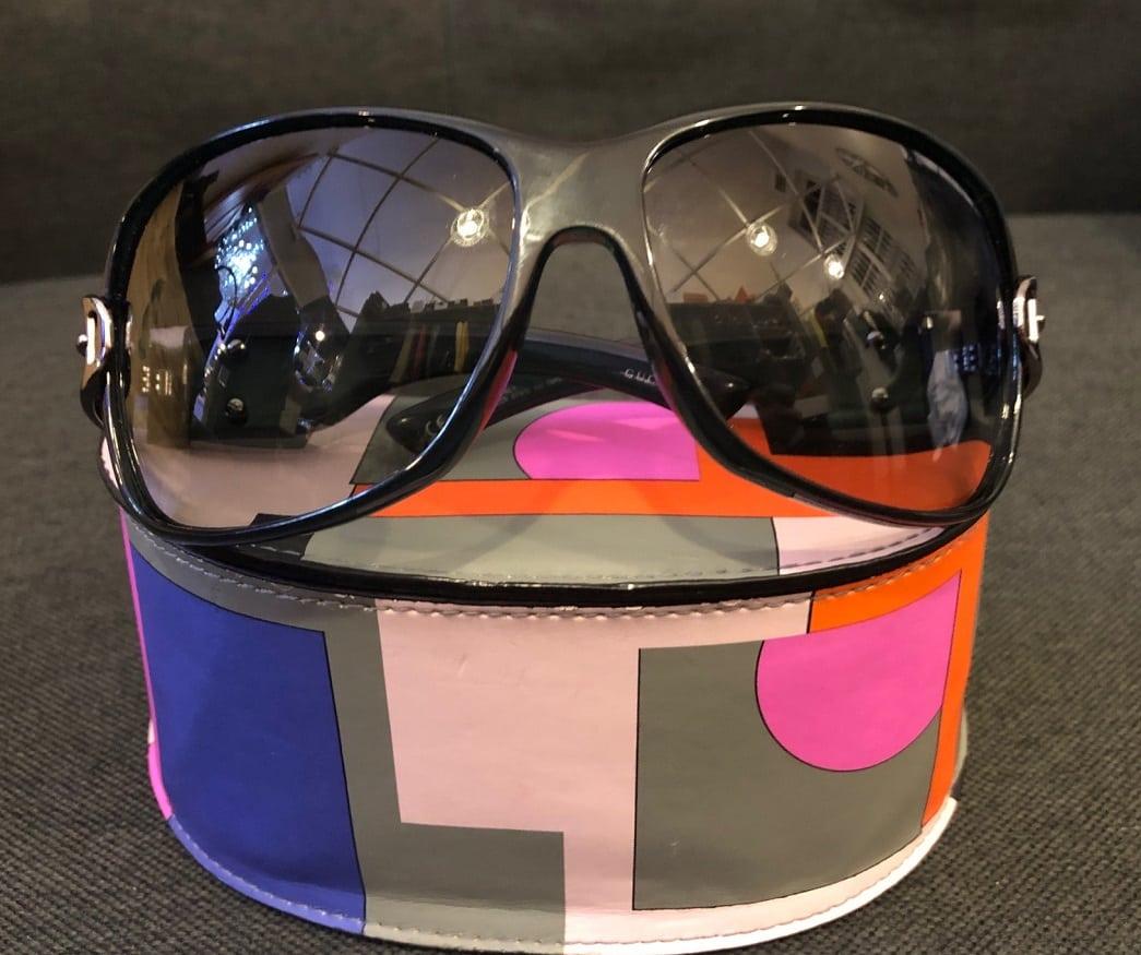 04b286ffe64c Gucci Women's oversized shaped frame Sunglasses - Chelsea Vintage ...