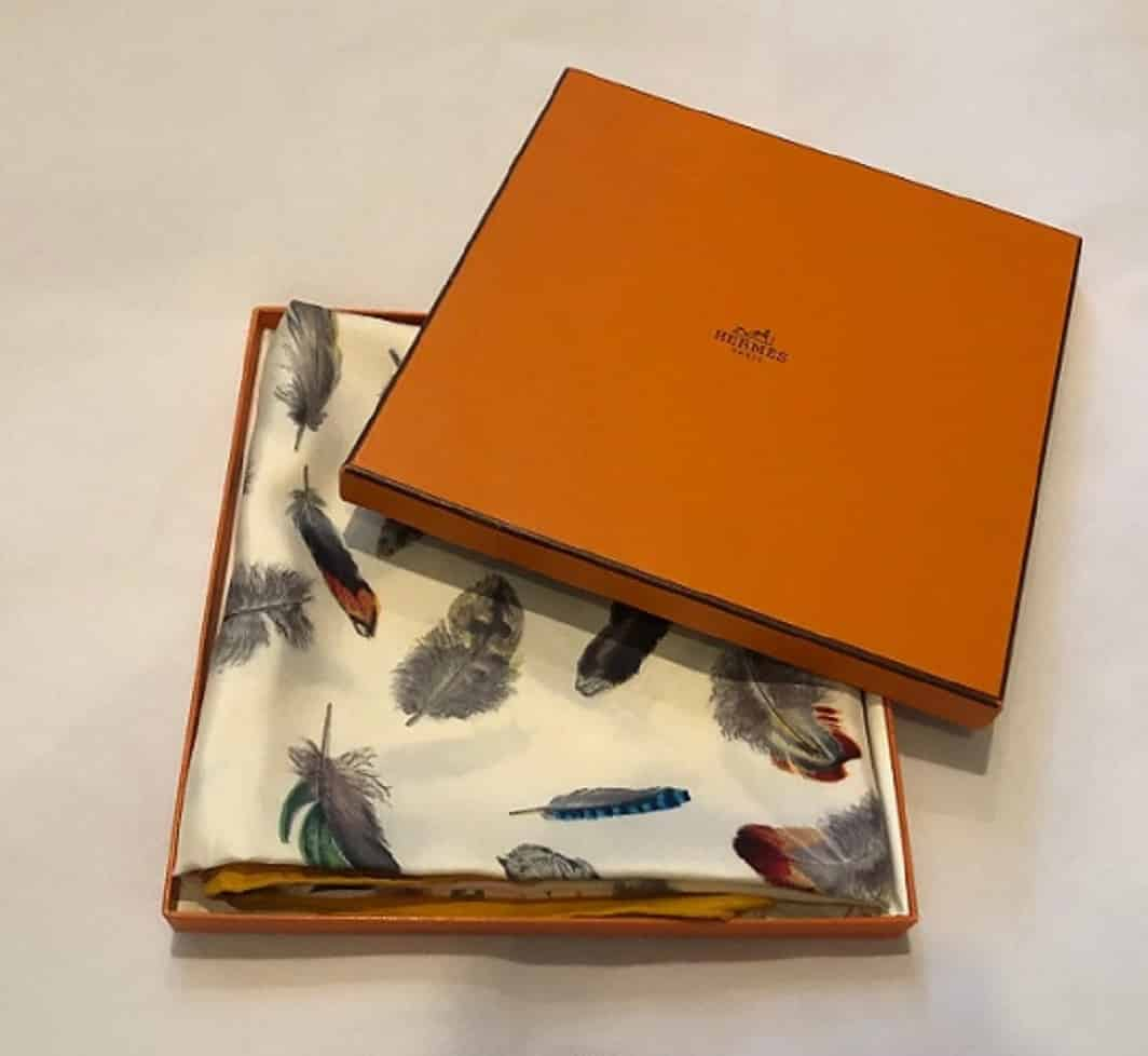 Hermès Plumes By Henri de Linarès Feathers Print Silk Carré Scarf with Box 1 (1)